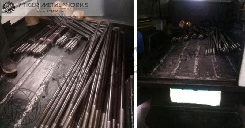 Black Iron High Tensile A325/SCM440 Mat Anchor Bolt / 2 Nut & 1 Washer / Dia: 28mm / Thread: 125mm / Vertical Length: 1200mm / Bend: 400mm / Total Length: 1600